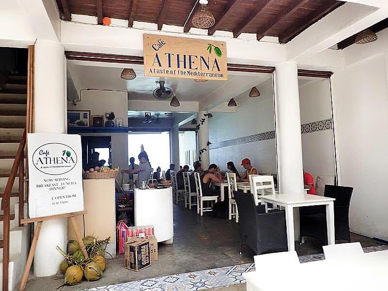 愛妮島隨著旅客的增加,也開始聚集眾多異國料理的出現。沒想到希臘料理竟然也橫跨半個地球來到了這裡!