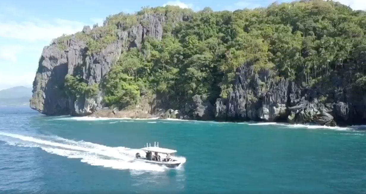 愛妮島夢幻景點:快艇出海